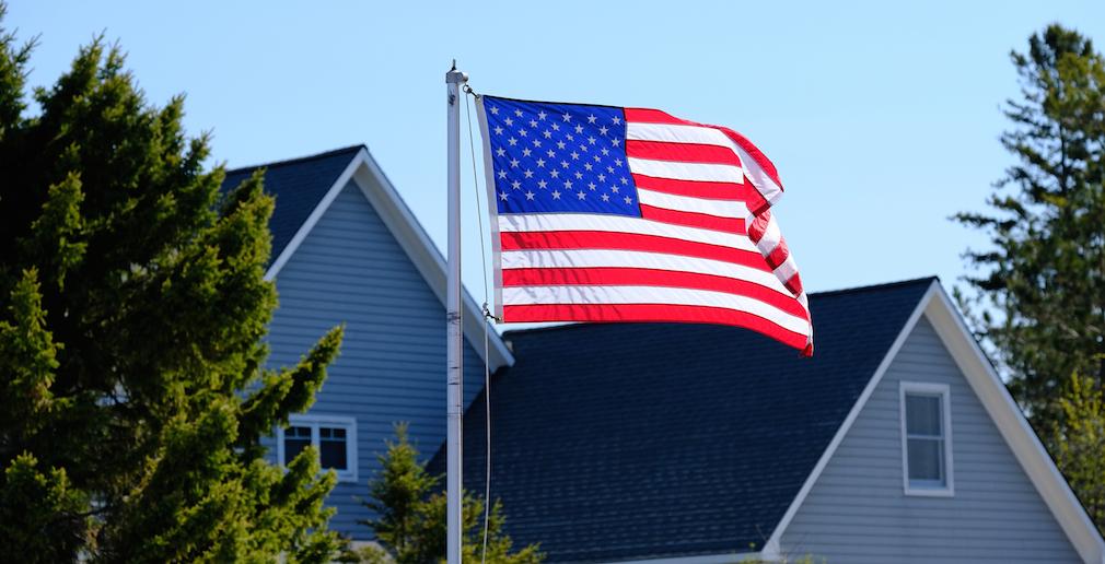 American_flag_houses