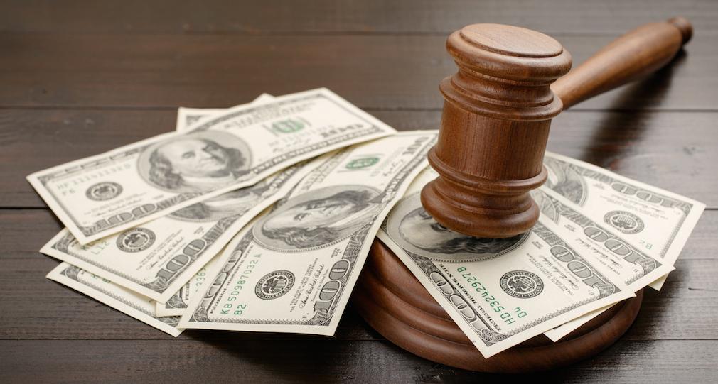 Judge_gavel_money