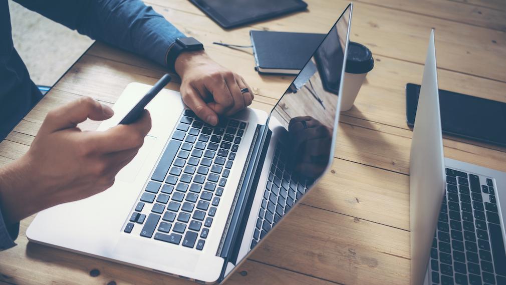 Millennial_Buyer-laptop