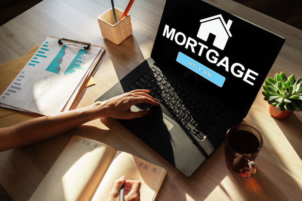 Last week's decline in mortgage rates drives uptick in applications