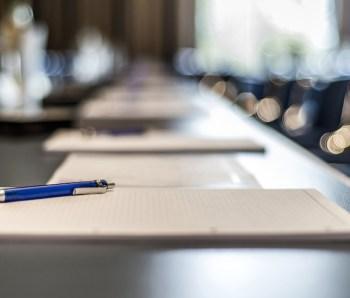 pen_office_table