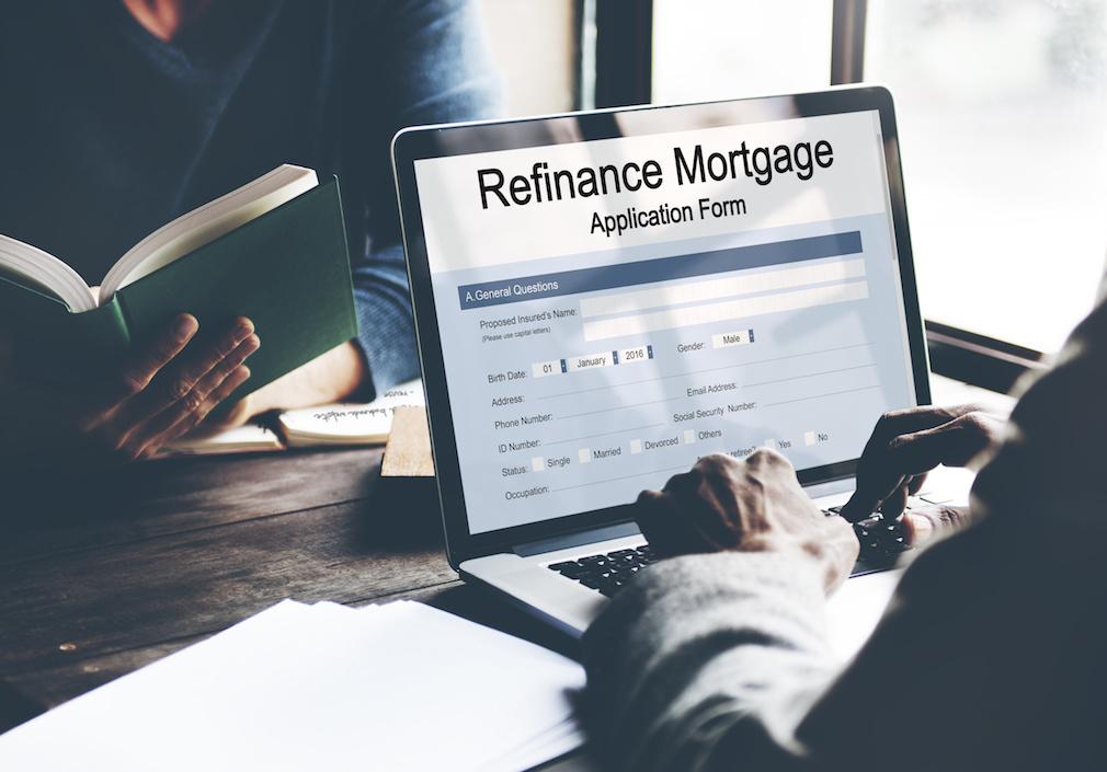 MBA: U.S. refinance activity triples on low rates