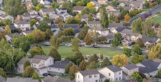 houses neighborhood