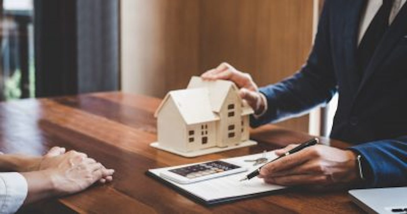 <p>Mortgage Software dip as House prices Grow thumbnail