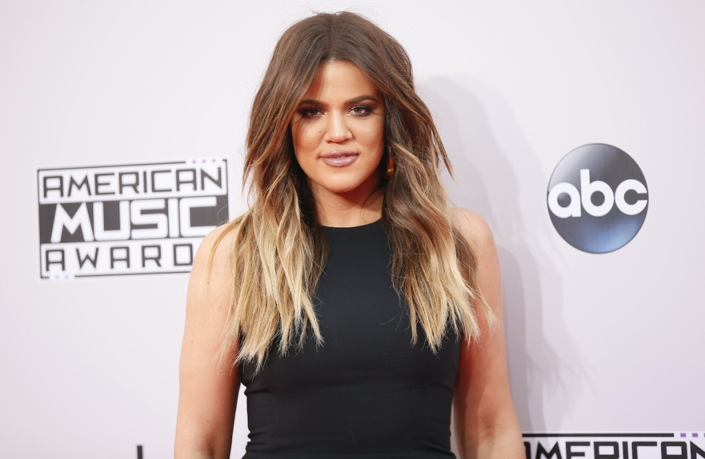 Khloe Kardashian arrives at the 42nd American Music Awards in Los Angeles