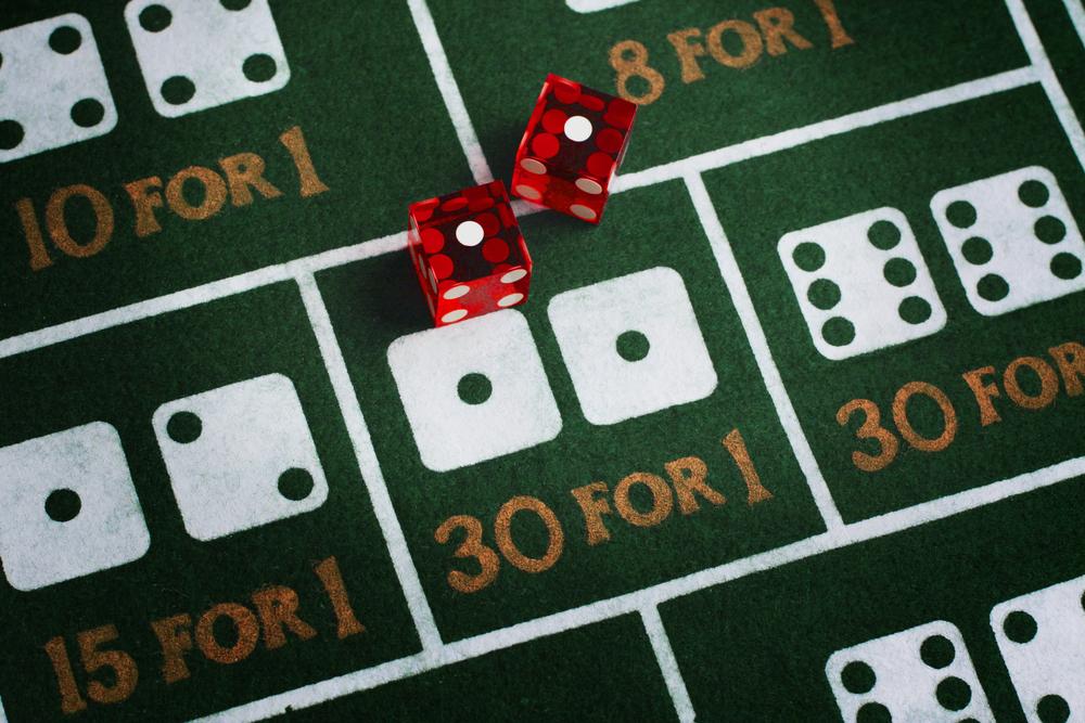 Craps dice casino